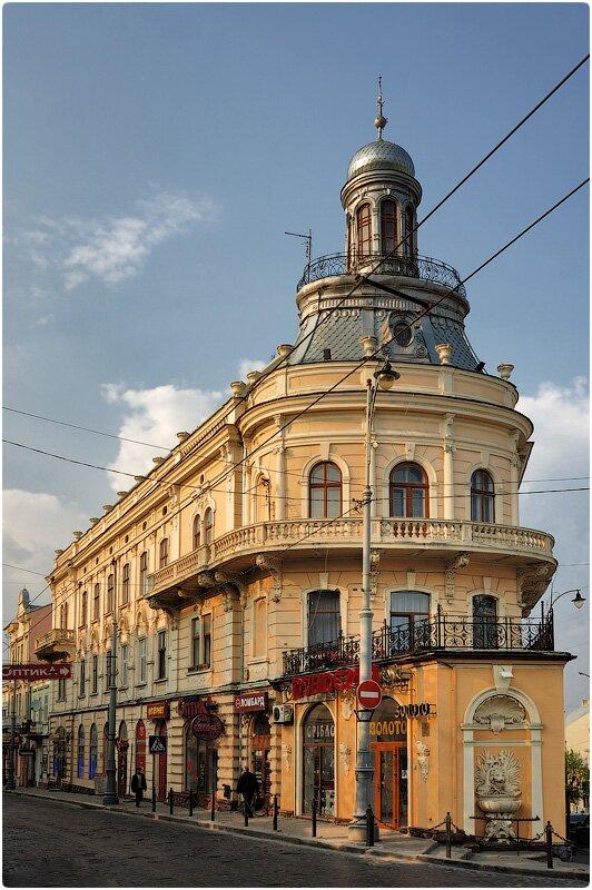 Дом-корабль в Черновцах