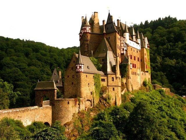 замок Ельц